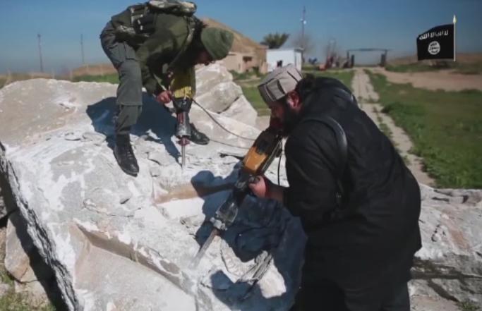 Imagini filmate cu drona in Mosul, recuperat de fortele irakiene de sub controlul ISIS. Distrugerile provocate de jihadisti