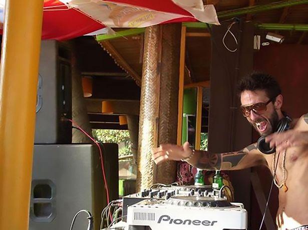 Un DJ celebru in Italia si-a pus capat vietii intr-o clinica de sinucideri asistate din Elvetia. De ce a ales sa moara