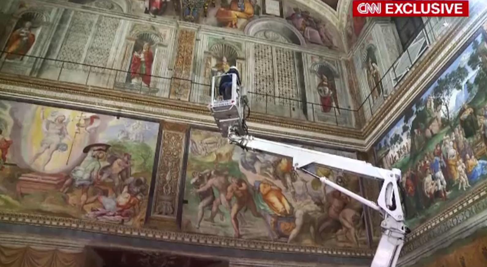 Capela Sixtină a intrat în restaurare. Frescele lui Michelangelo au de suferit din cauza vizitatorilor