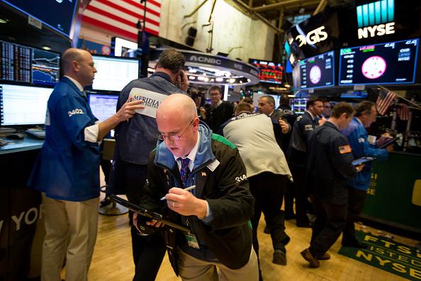 Varianta Delta de Covid-19 îi sperie pe investitori. Bursele au înregistrat căderi
