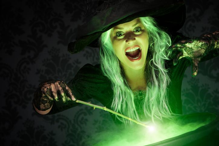 O tânără din Germania a suferit arsuri grave, după ce a apelat la un ritual de vrăjitorie