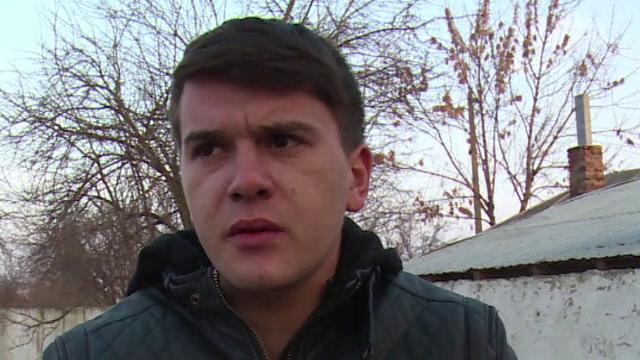 Ancheta la Poliția Titu. Un tânăr bătut crunt acum 6 luni spune că nu a fost chemat la declarații