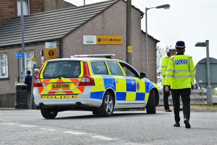 Posibil atac terorist în Birmingham. O mașină a intrat în pietoni, în fața unei moschei