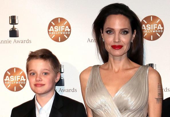 Angelina Jolie a dezvăluit un sfat pe care l-a dat fiicelor ei. Pictorial alături de Siloh și Vivienne