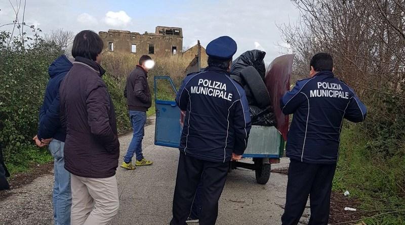 Doi români din Italia, opriţi înainte să producă un dezastru ecologic. Ce duceau în camion