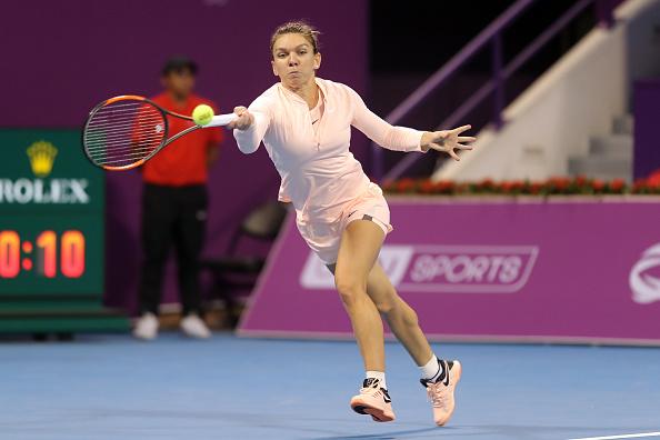 Simona Halep, ironizată după primul meci în echipamentul Nike roz
