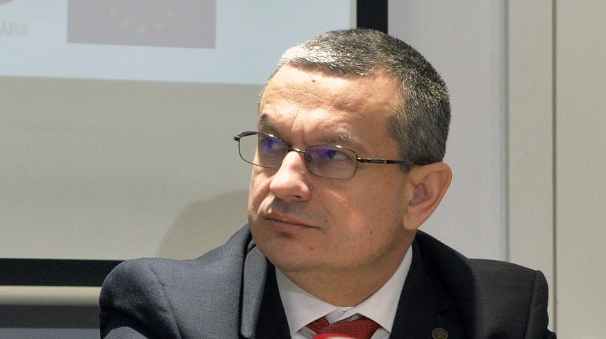 Csaba Asztalos (CNCD): Colţescu a greşit, nu trebuie pusă batista pe ţambal, dar nici răstignit