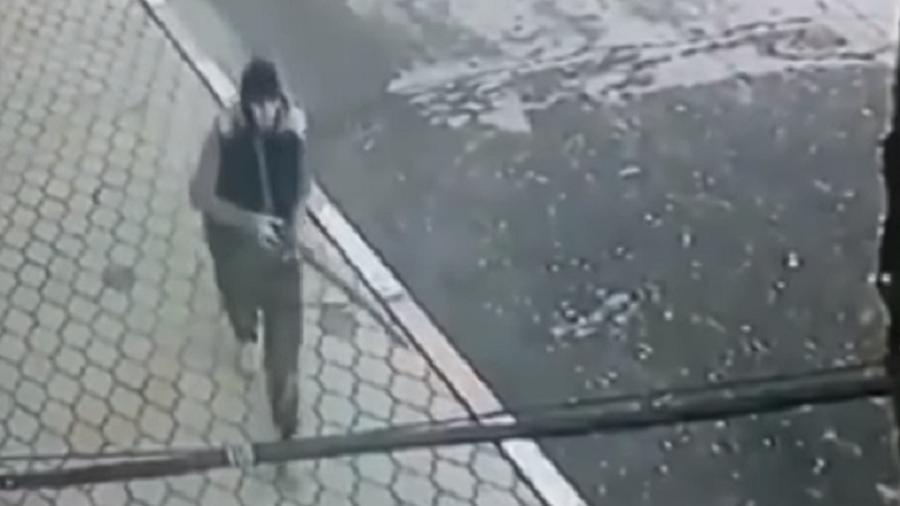 Momentul în care un jihadist a deschis focul la o biserică ortodoxă. VIDEO
