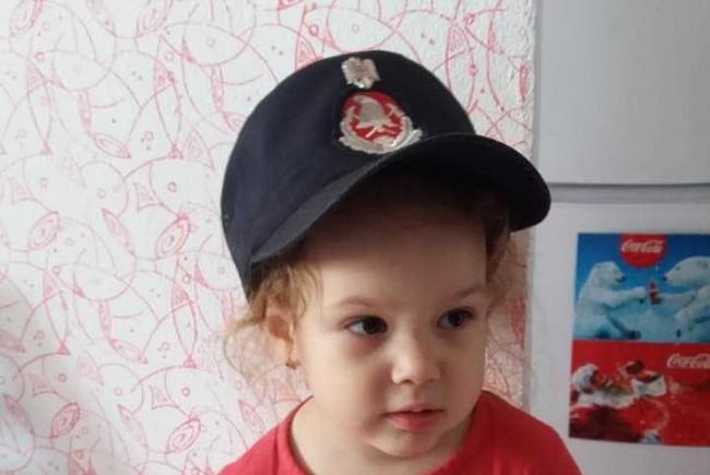 Hanna, o fetiță de 3 ani diagnosticată cu tumora Wilms grad 4, are nevoie de ajutor
