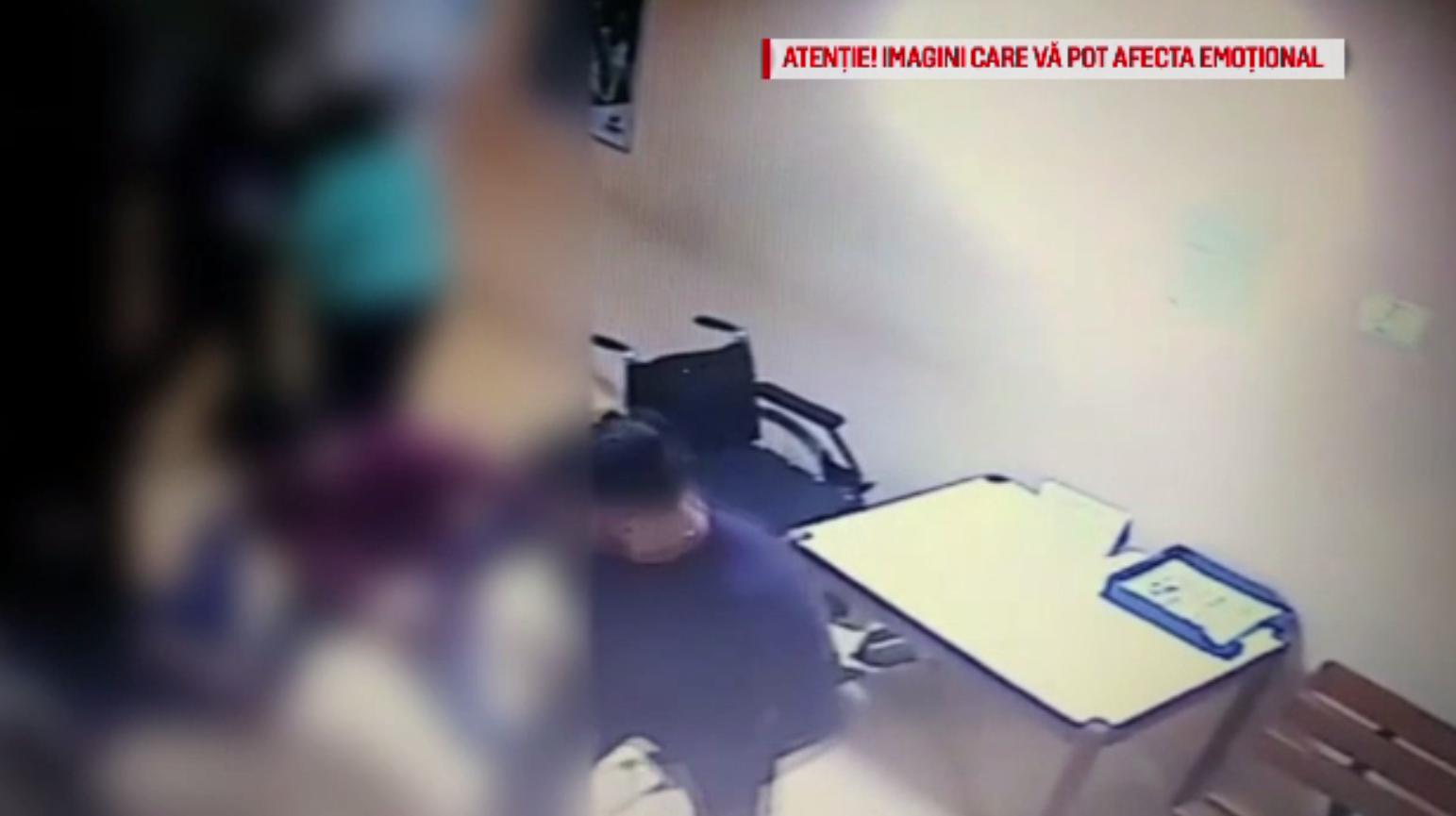 Măsura luată de autorități împotriva tânărului care a bătut un medic din Mioveni