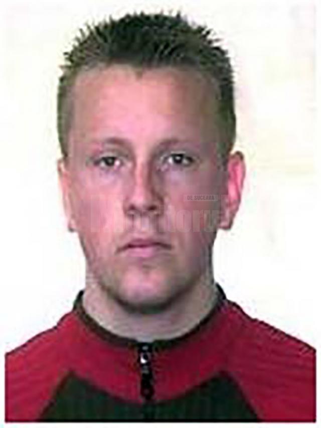 """Sucevean aflat pe lista """"Most Wanted"""" a Poliției Române, extrădat din Franța"""