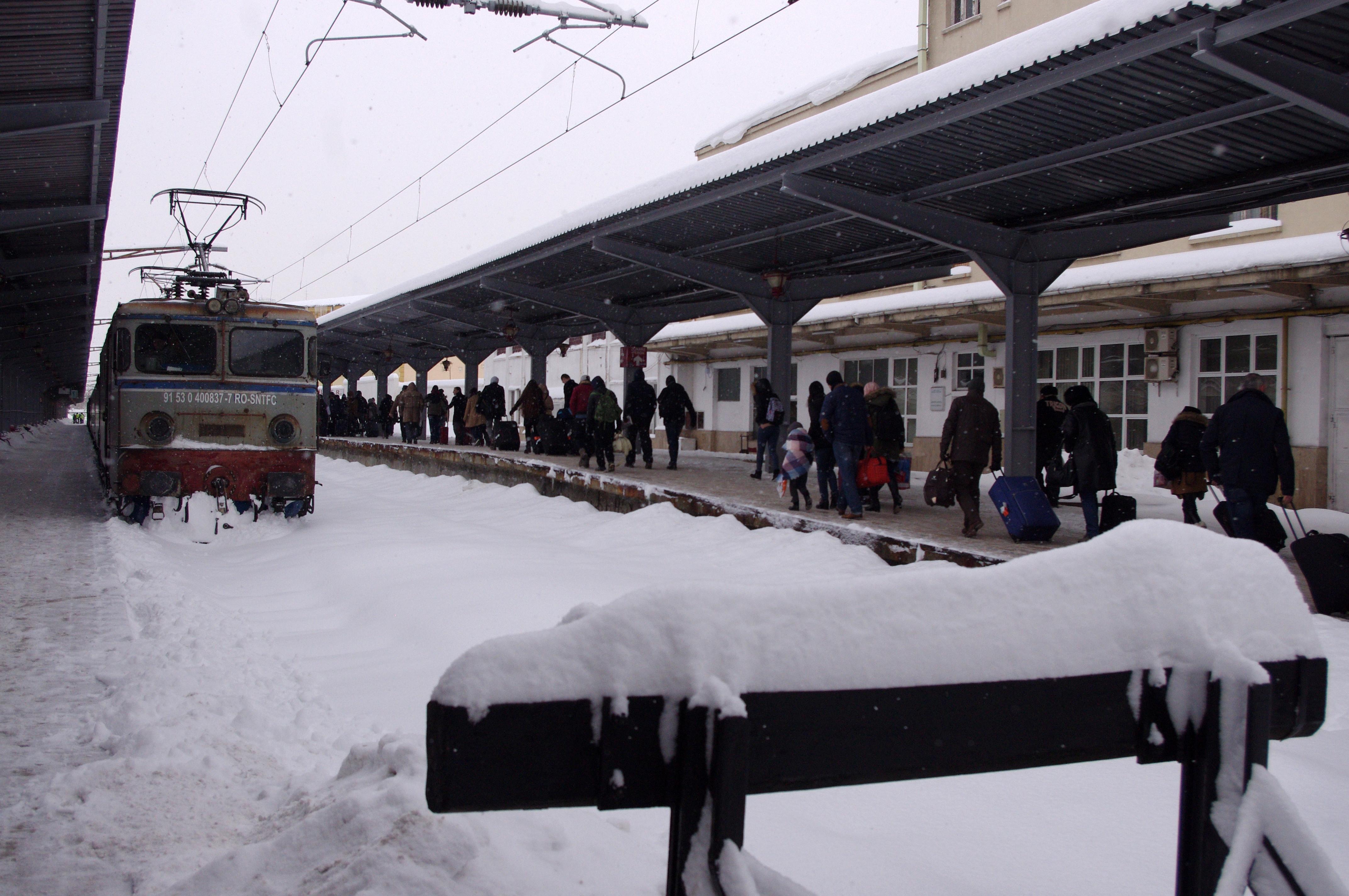 Mersul trenurilor, 19 decembrie. Întârzieri de până la 3 ore. Ce spune CFR