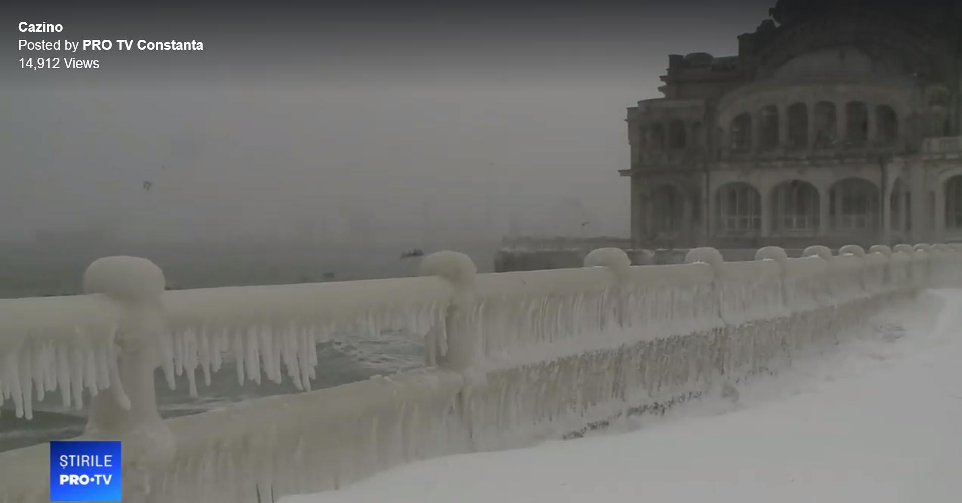 Litoralul, lovit de un ciclon. Imagini spectaculoase surprinse pe faleza din Constanța. VIDEO