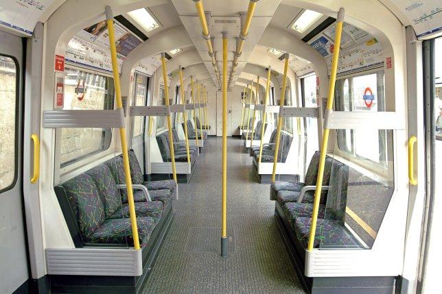 Pedepse după scenele indecente de la metroul londonez. Ipostazele filmate