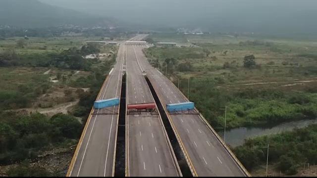 Regimul lui Maduro a blocat la graniţă un transport umanitar. Pretextul lui
