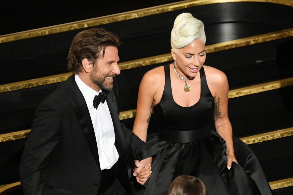 Ce s-a întâmplat pe scena Oscarurilor între Lady Gaga și Bradley Cooper. VIDEO