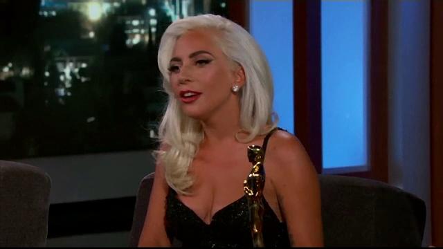 Cine este noul iubit al cântăreței Lady Gaga. Au fost surprinși într-un restaurant