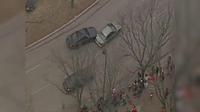 Scene ca în filme în SUA. Un șofer băut a provocat panică înaintea unei parade