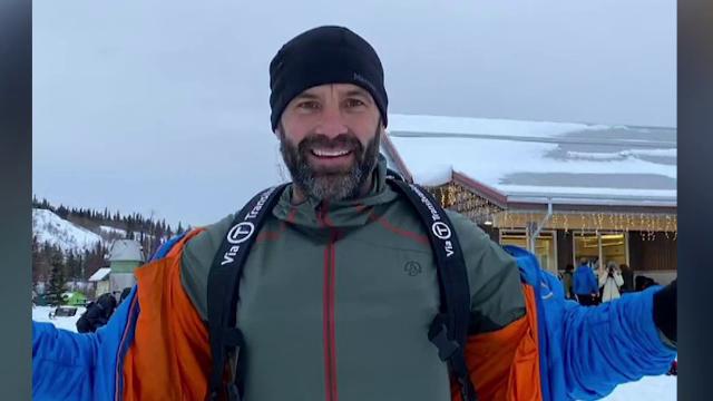 Ultimii kilometri pentru Tibi Ușeriu în cursa de la Cercul Polar. Pe ce loc e românul