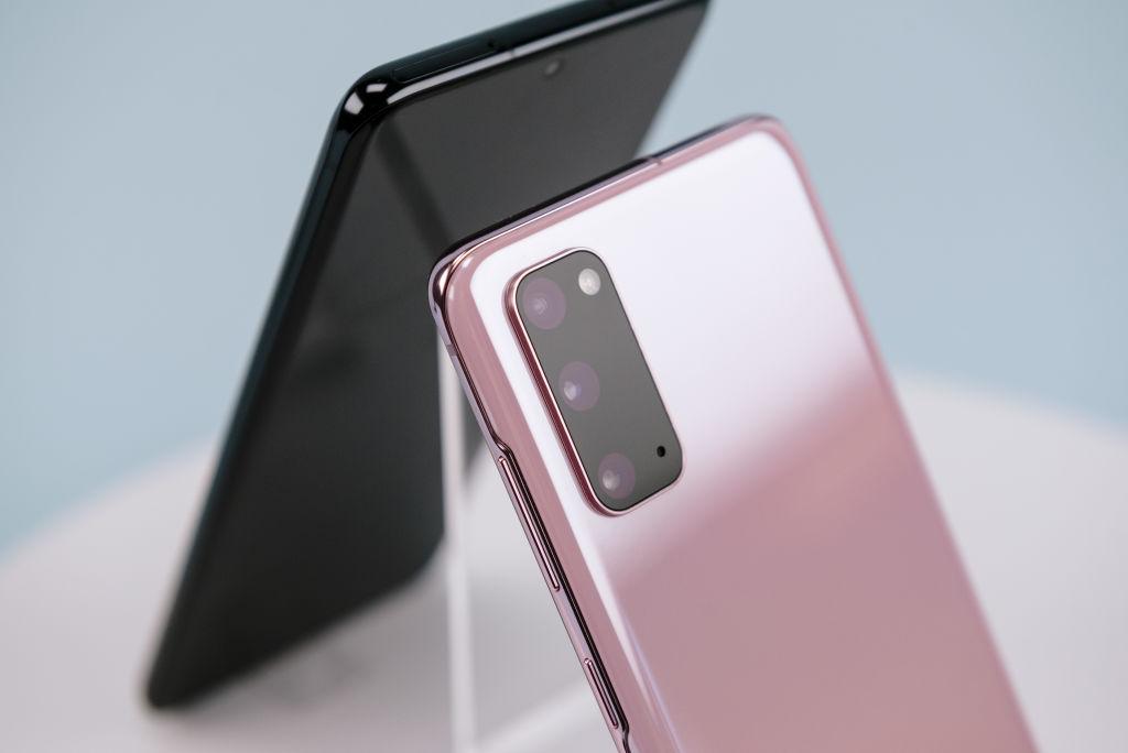Samsung a lansat seria Galaxy S20. Diferențele față de Galaxy S20+ şi Galaxy S20 Ultra