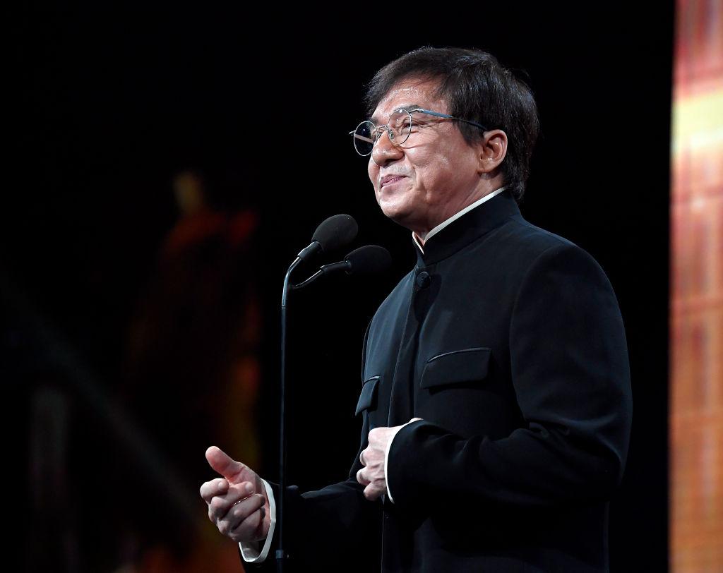 Jackie Chan promite o recompensă pentru cine inventează un vaccin contra coronavirusului