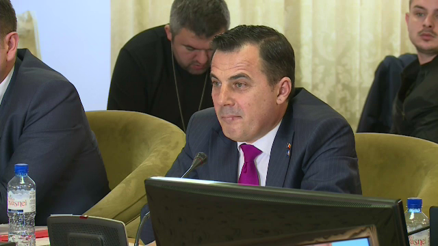Deputatul Ion Ştefan, în stare gravă după ce s-a prăbușit o macara peste el