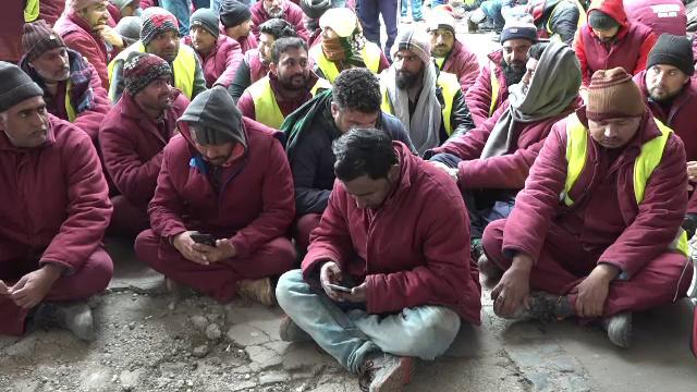 Alertă lângă București. 35 de muncitori indieni au Covid-19, iar 7 dintre ei cu noua tulpină