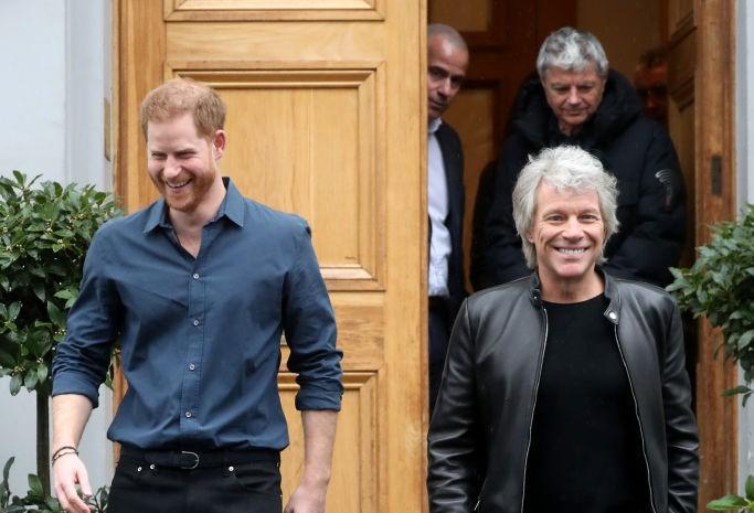 """Prințul Harry a înregistrat o melodie cu Jon Bon Jovi: """"Rămâneți aproape. Mai urmează"""""""