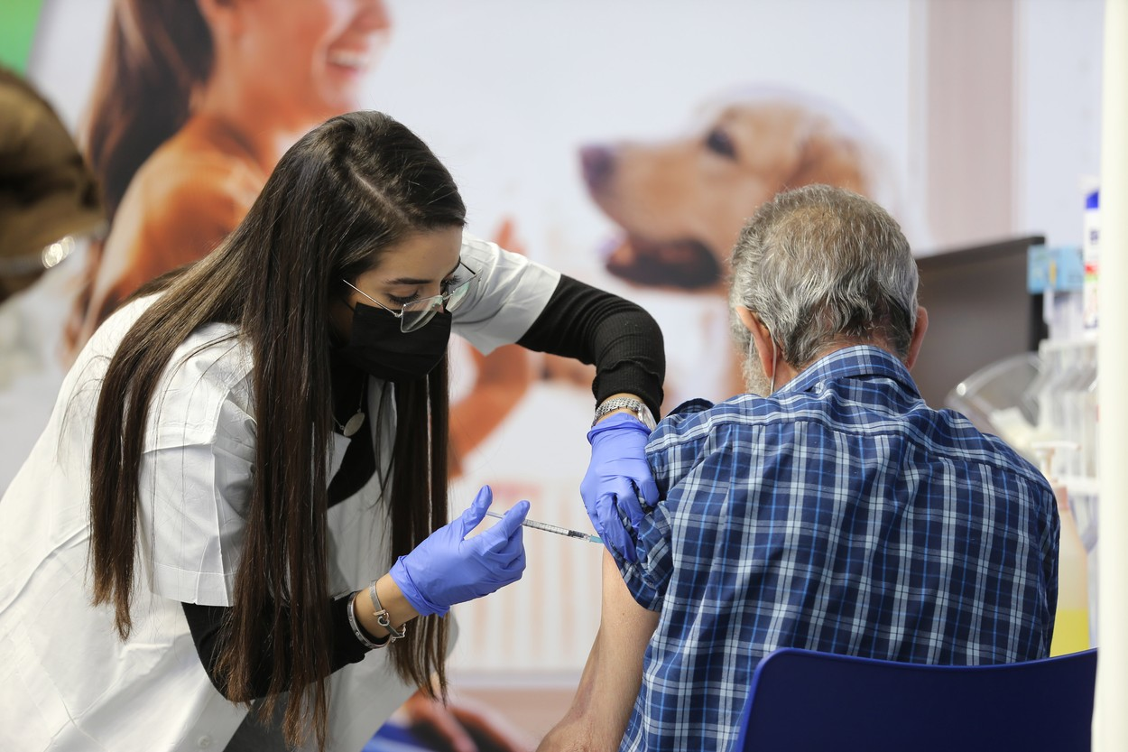 Israelul intenţionează să îşi redeschidă economia până pe 5 aprilie, după vaccinarea întregii populaţii
