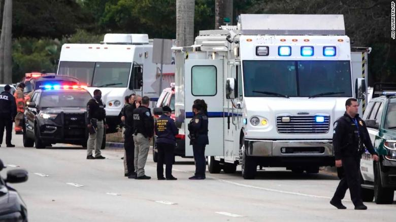 Doi agenți FBI, uciși în timpul unui raid în Florida. Alți trei au fost grav răniți