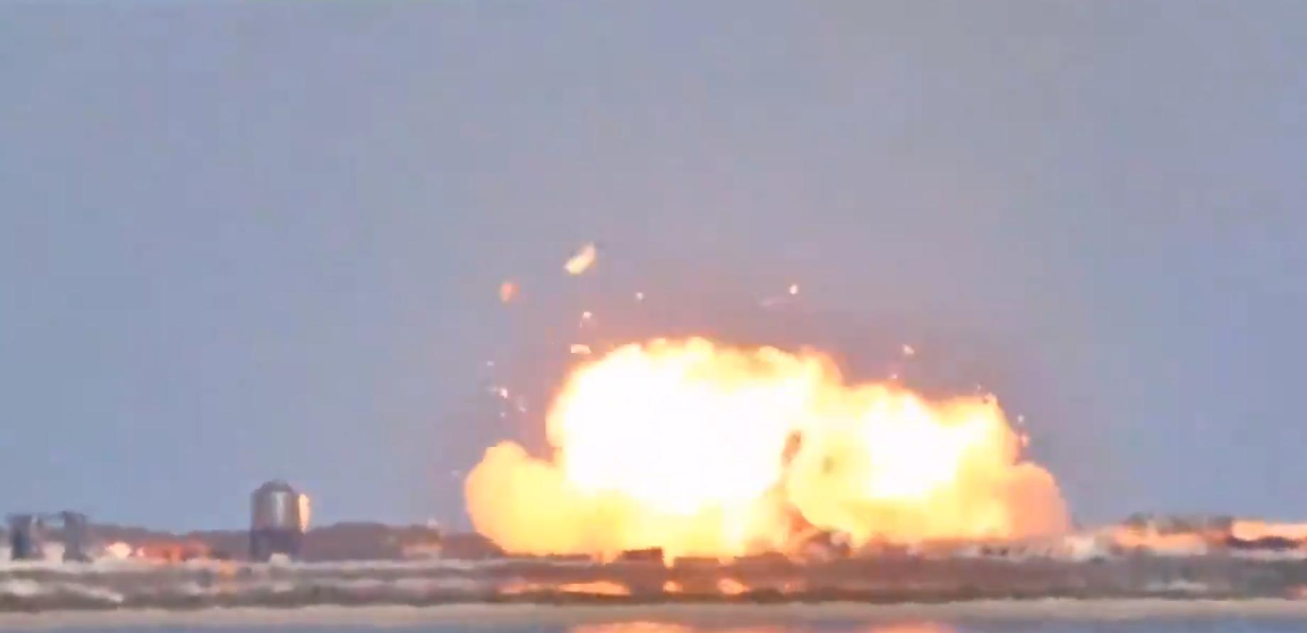 VIDEO. O rachetă SpaceX Starship a explodat în timp ce încerca să aterizeze
