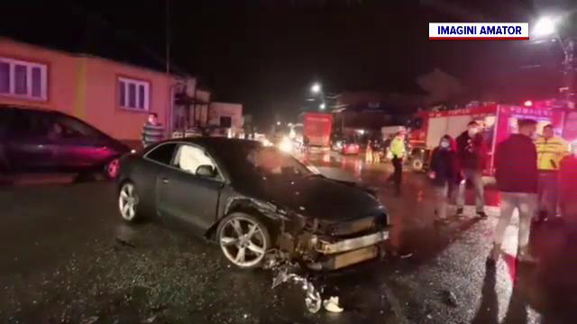 Pericol de incendiu în Bistrița-Năsăud, după ce sute de litri de carburant s-au scurs pe șosea, în urma unui accident