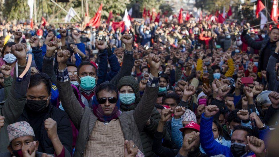 Țara care a intrat în grevă națională, după ce parlamentul a fost dizolvat
