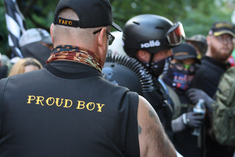 Canada a catalogat oficial Proud Boys ca grupare teroristă