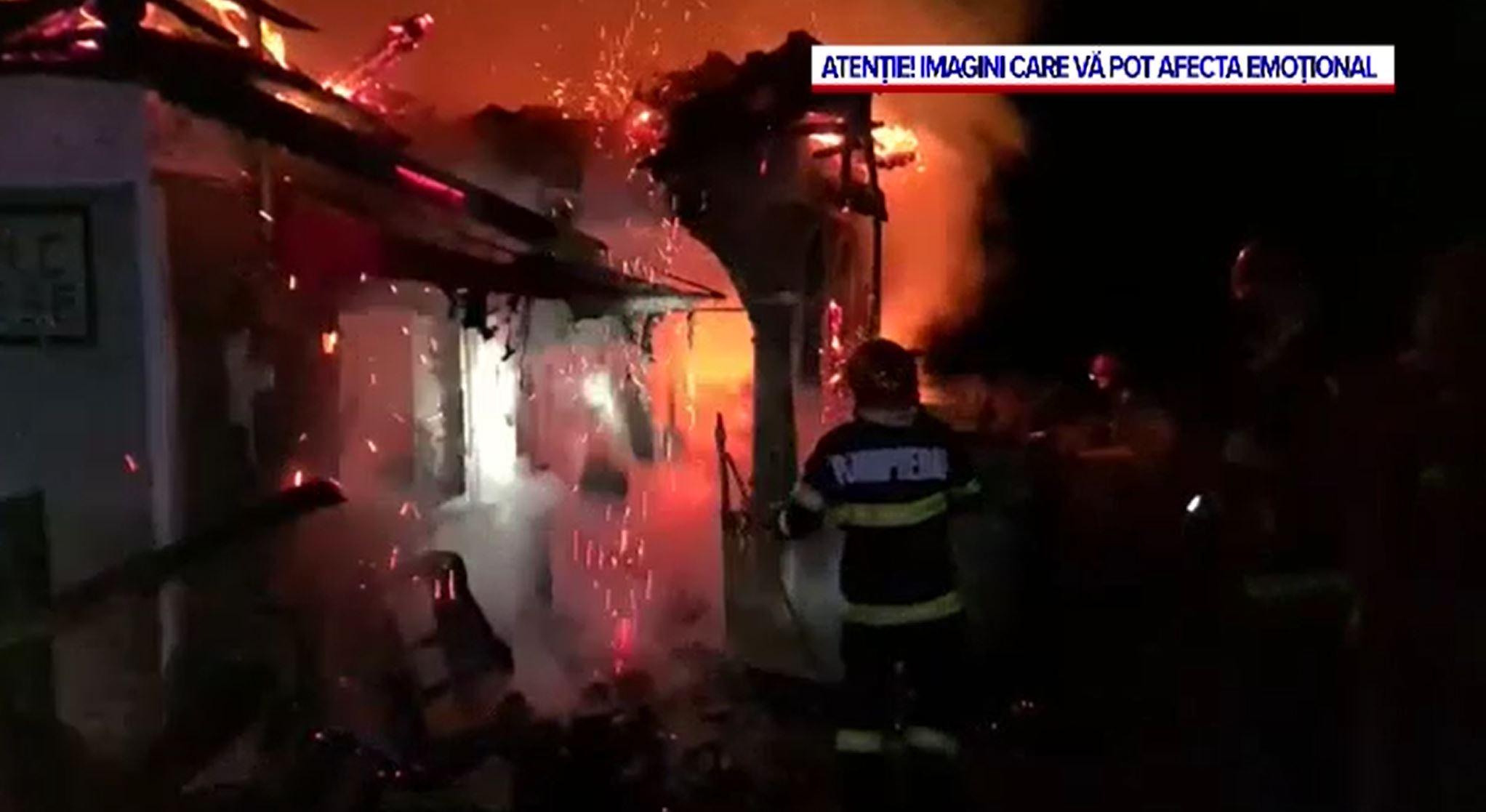 Incediu suspect în Câmpulung. Ce anchetează poliția, după ce o casă a fost mistuită de flăcări