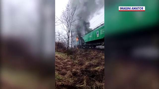 O locomotivă a luat foc în Caraș-Severin. Circulația trenurilor a fost întreruptă câteva ore