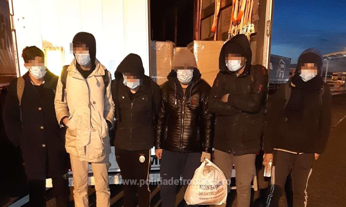 40 de migranți descoperiți în automarfare, încercând să iasă ilegal din România