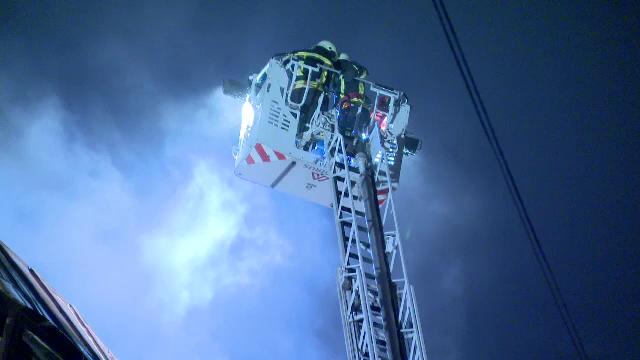Incendiu puternic în apropierea Gării de Nord din Capitală. Nu exisă victime