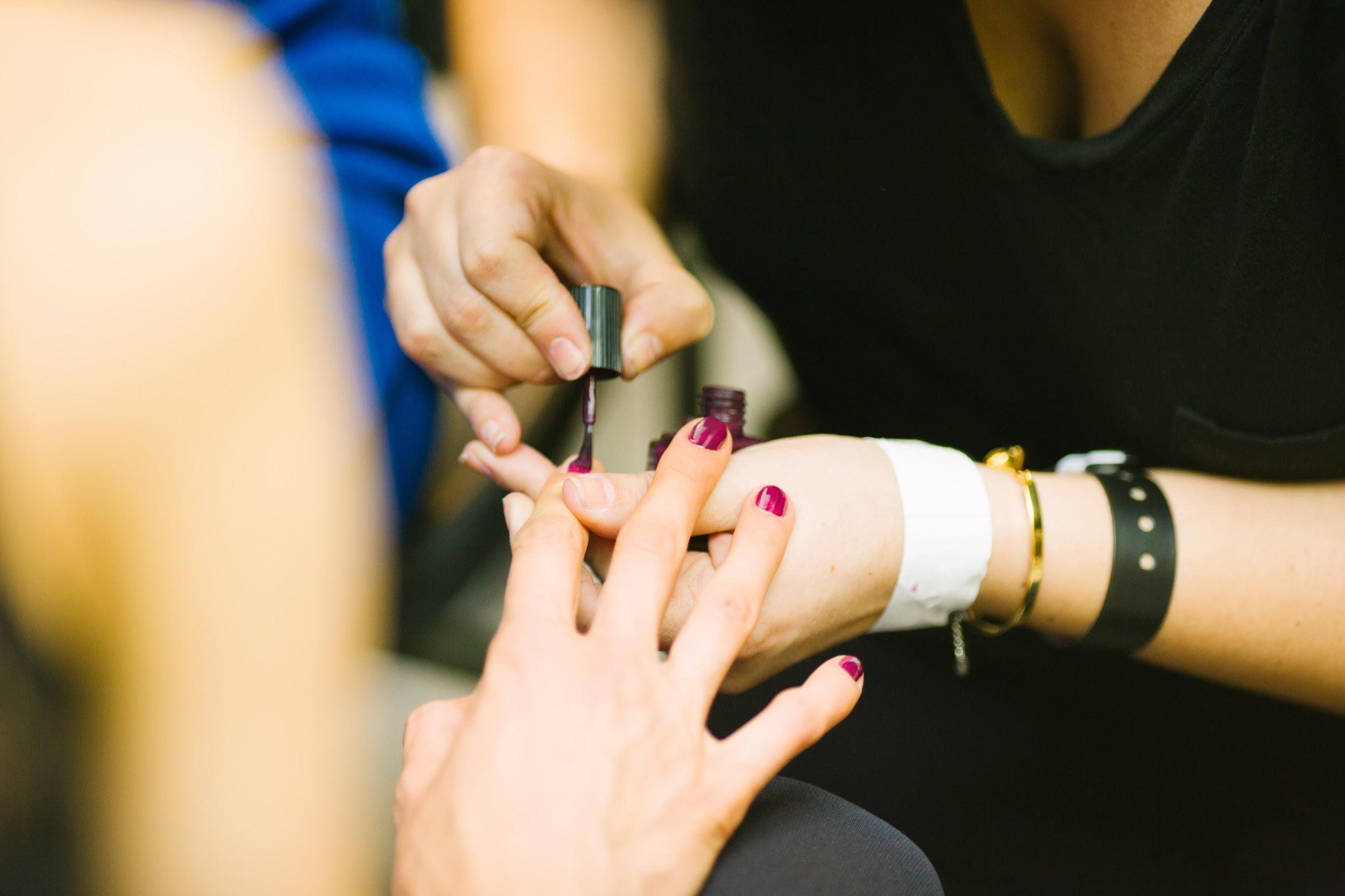 (P) De ce ai nevoie pentru o manichiură perfectă