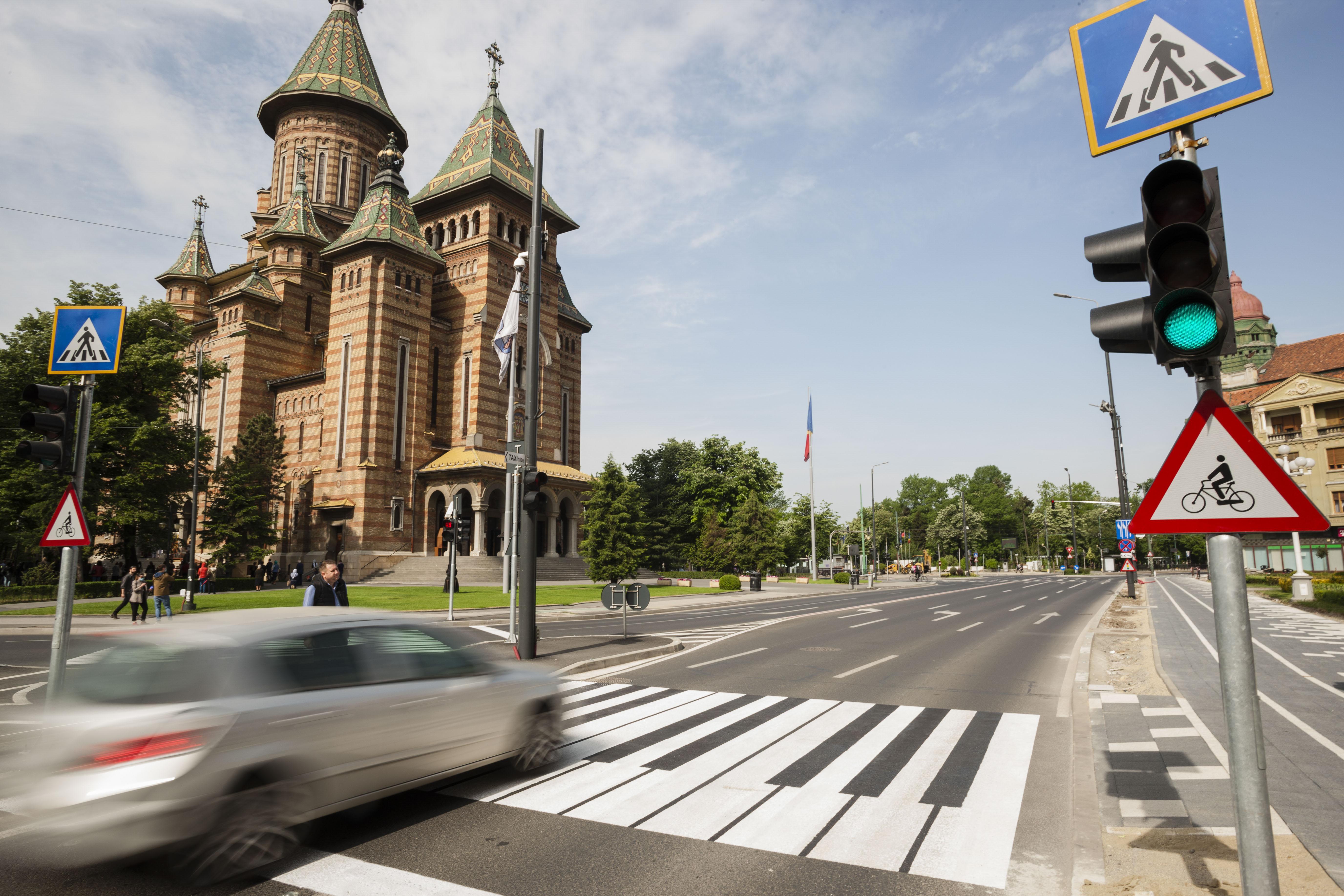 Un șofer de 97 de ani din Timișoara a lovit un bărbat pe trecerea de pietoni apoi a fugit de la locul accidentului