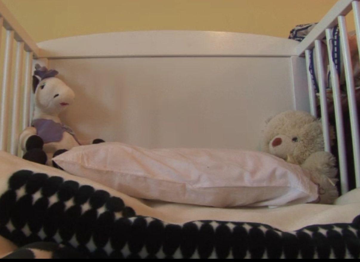 Bebeluş de 2 luni, găsit mort de mama adolescentă, în Baia Mare. Nu e primul caz din zonă