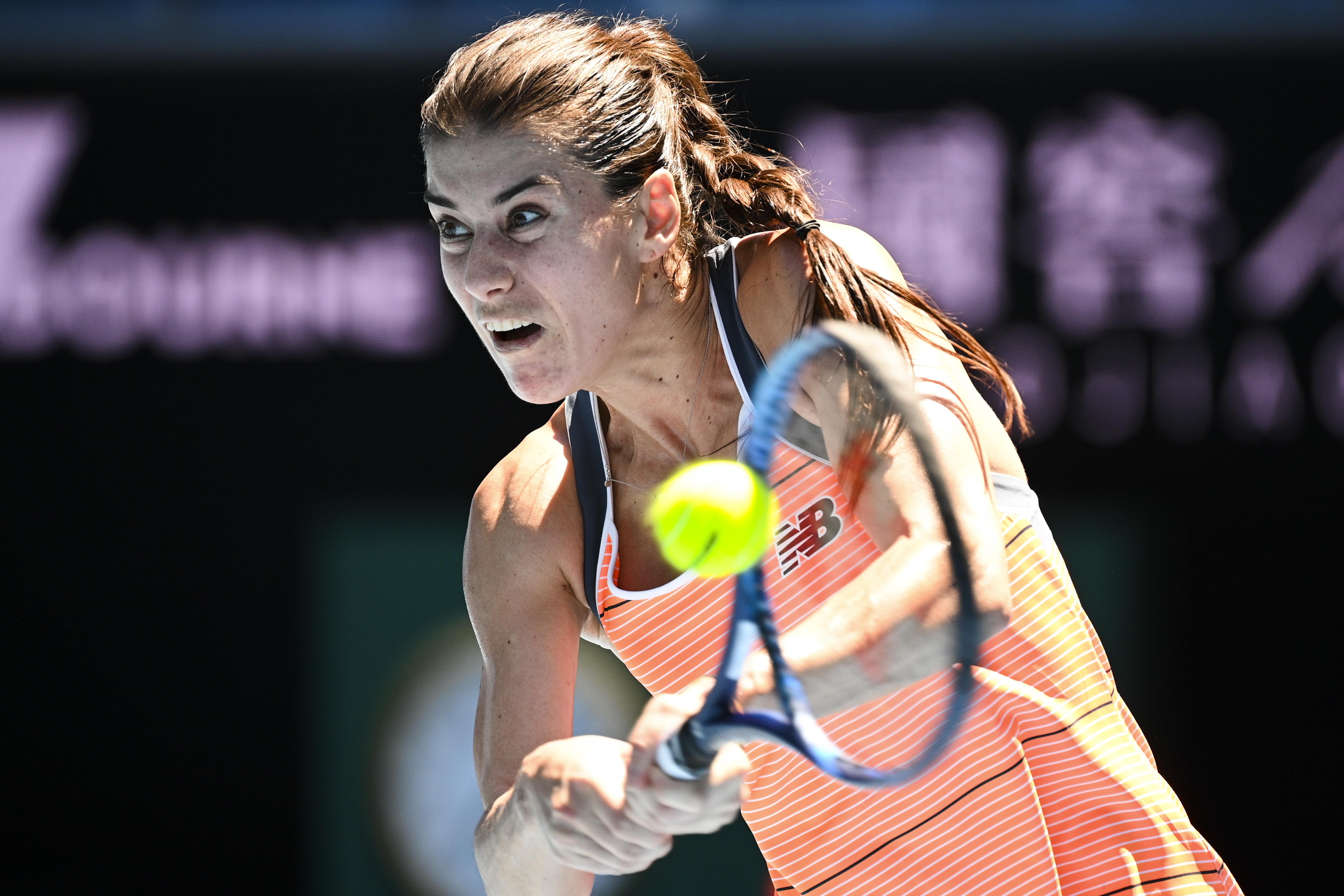 Sorana Cîrstea, victorie de senzaţie cu Petra Kvitova. S-a calificat în turul 3 la Australian Open