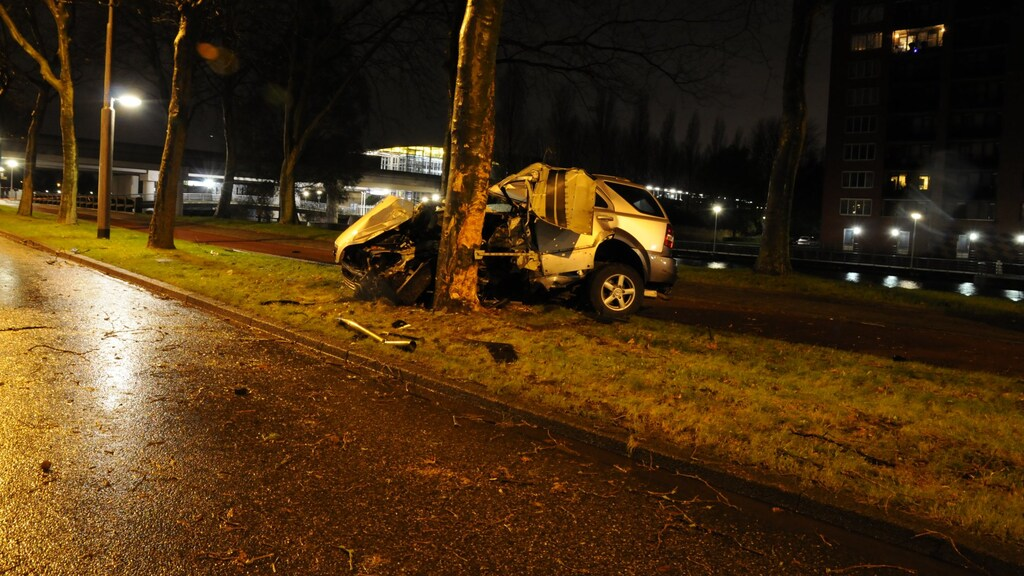 Drama unei ambulanțiere din Olanda: Și-a găsit fiul mort în accidentul la care intervenea