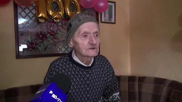 Povestea unui veteran de război, ajuns la vârsta de 100 de ani. Cum l-a întâlnit pe Mareşalul Antonescu