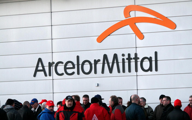 ArcelorMittal anunţă concedieri masive. Cel mai mare producător de oțel din lume are trei fabrici în România
