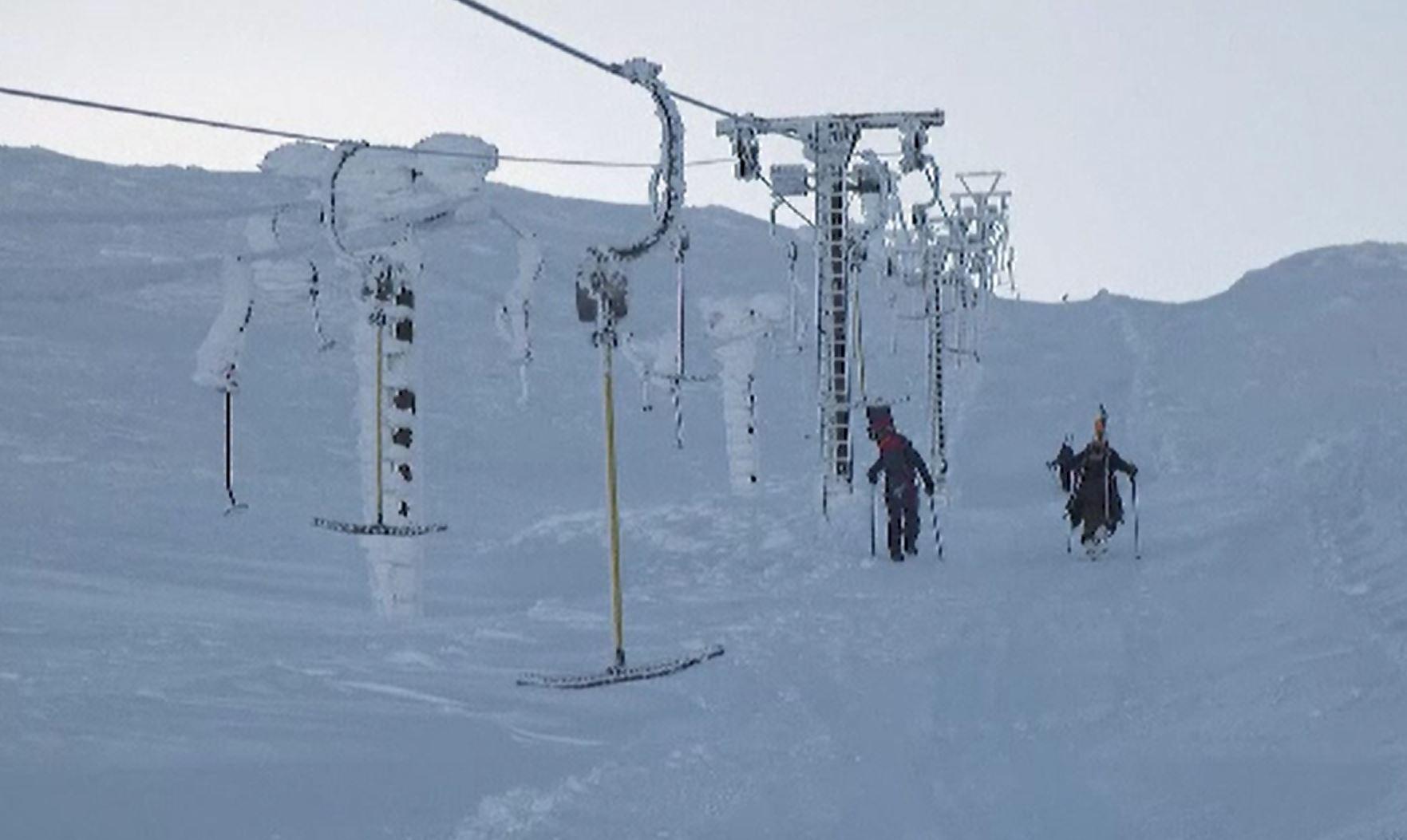Situația pârtiilor de schii din Europa. Stațiunea unde pasionații urcă la pas pe munte