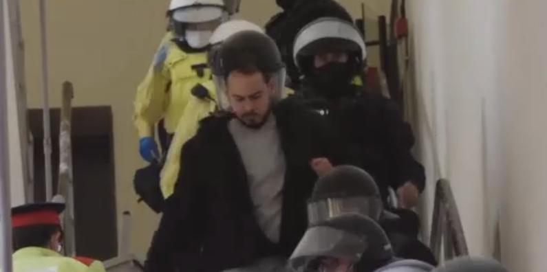 Rapper condamnat la închisoare în Spania, după o serie de tweet-uri în care insulta monarhia