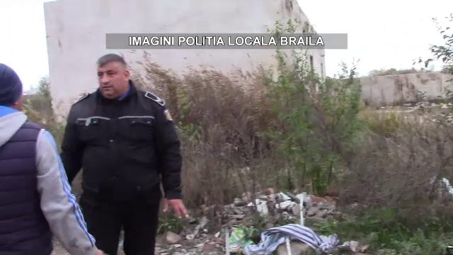 Reacția unui bărbat când a fost prins de polițiști aruncând saci cu gunoaie pe domeniul public