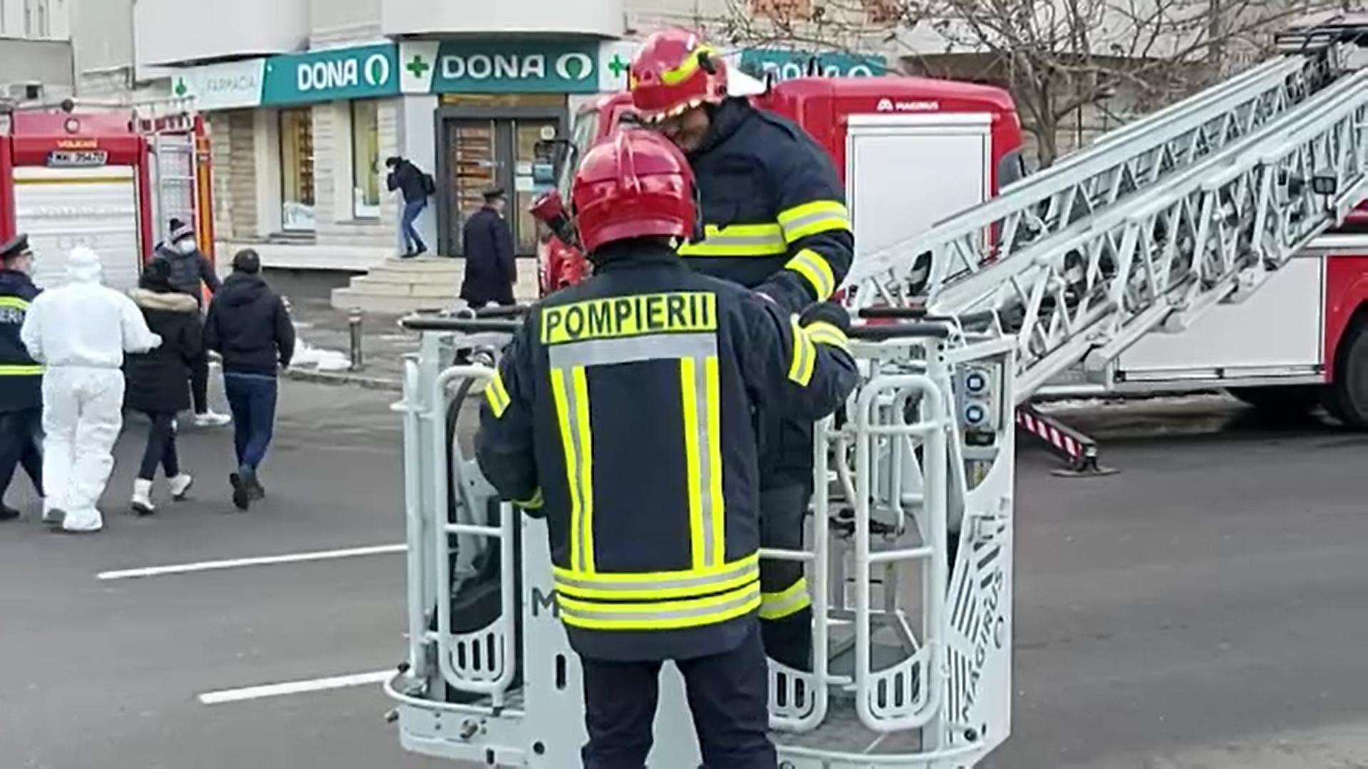 Anchetă privind intervenția pompierilor în cazul incendiului de la Constanța, în urma căruia o femeie a murit