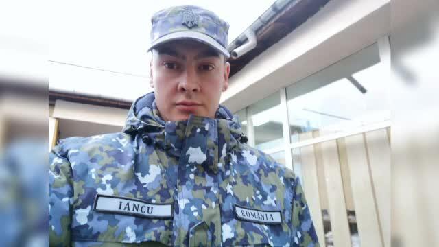 Militarul erou care a salvat o vecină paralizată, după ce casa i-a luat foc.